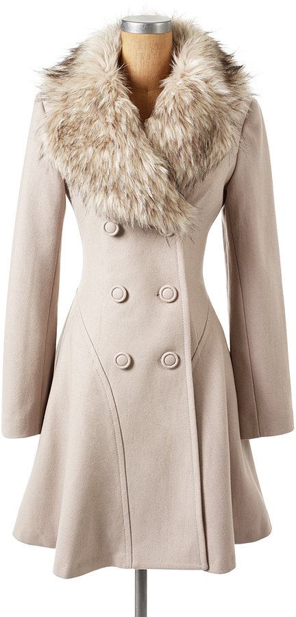 Jessica Alba Nude In Fur Coat 71
