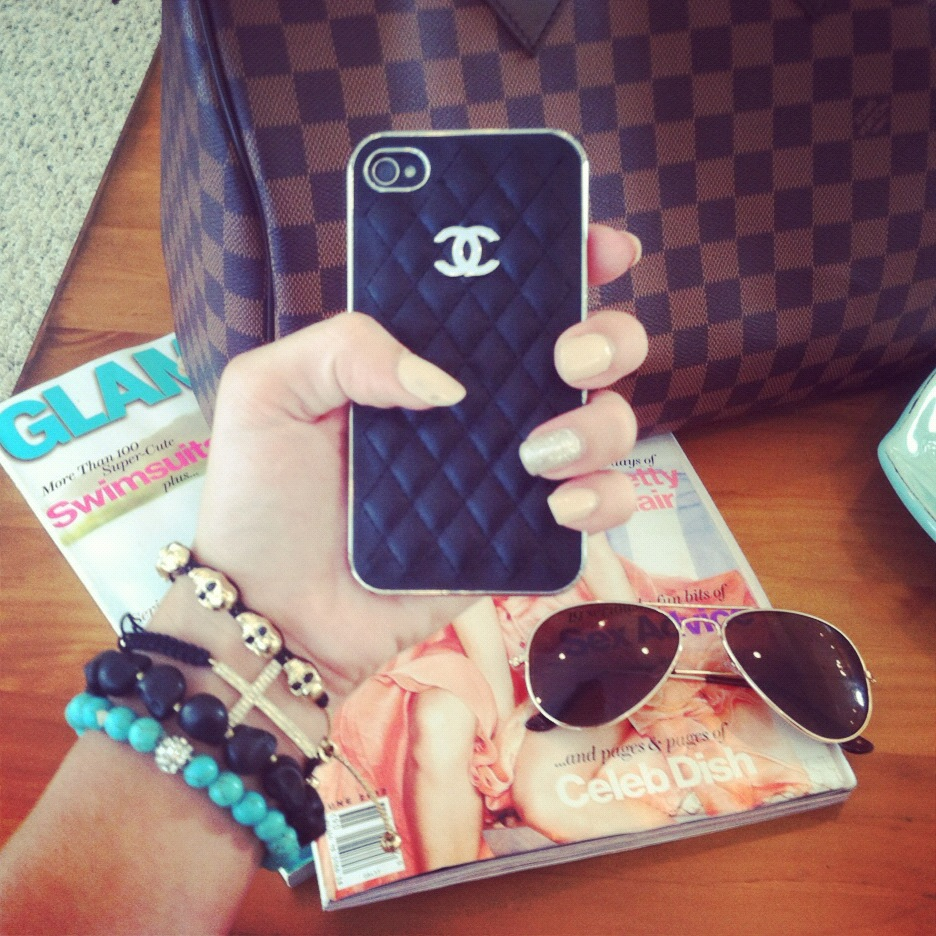 Chanel Iphone Case Tumblr Chanel Iphone Case in Black